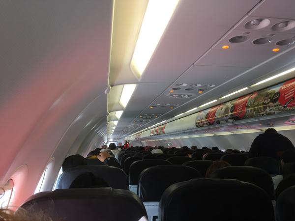 エアアジア・ゼスト機内の様子最後尾から