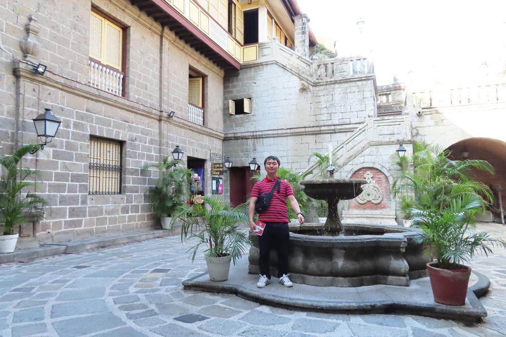 フィリピン留学APSE・カーサマニラ博物館‐中庭2
